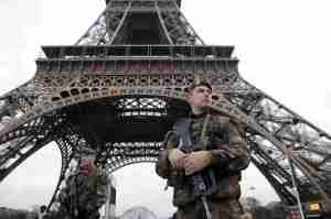 पेरिस पर हमला