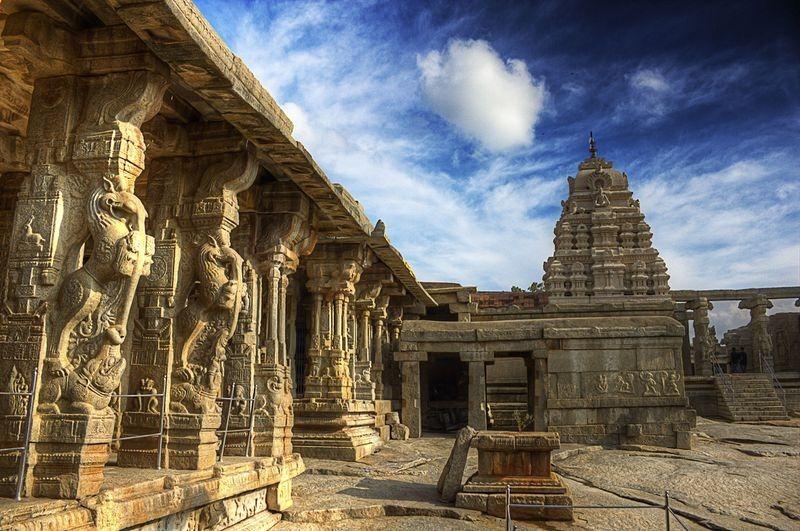 लेपाक्षी मंदिर -२