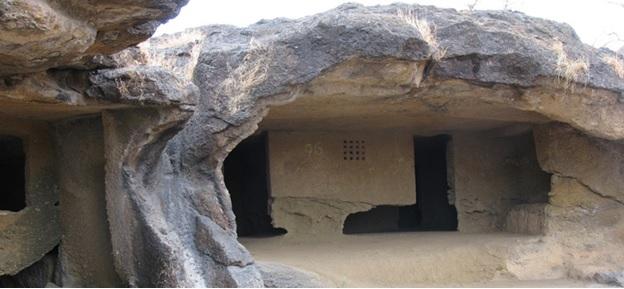 सीता बेन्गारा आणि जोगीमार गुफा
